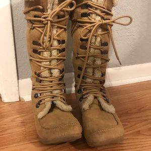 Soda Fur lace up boots